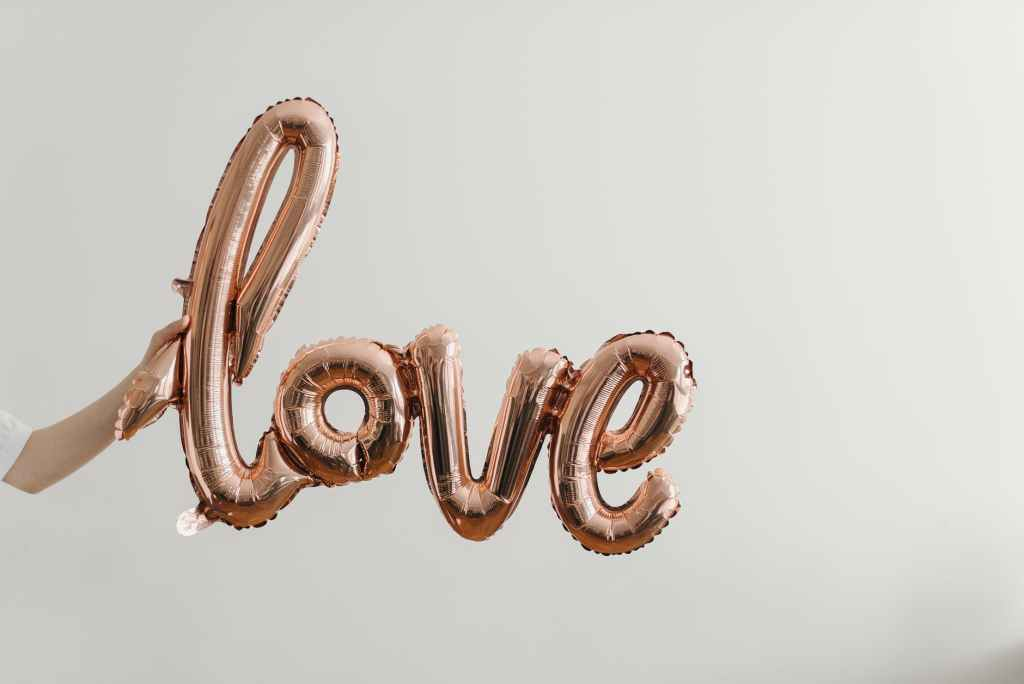 rose gold 'love' balloon