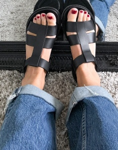 Sandals by London Rebel Shot by one of our stylists at home Caged-strap design Adjustable ankle strap Pin-buckle fastening Open toe Chunky sole Textured tread